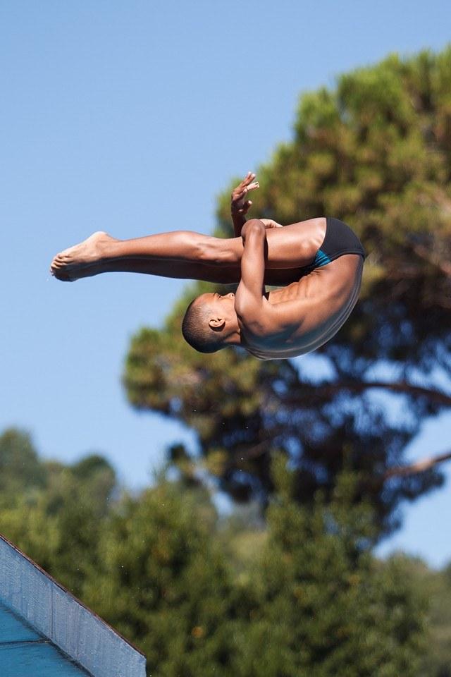 Pele in a dive